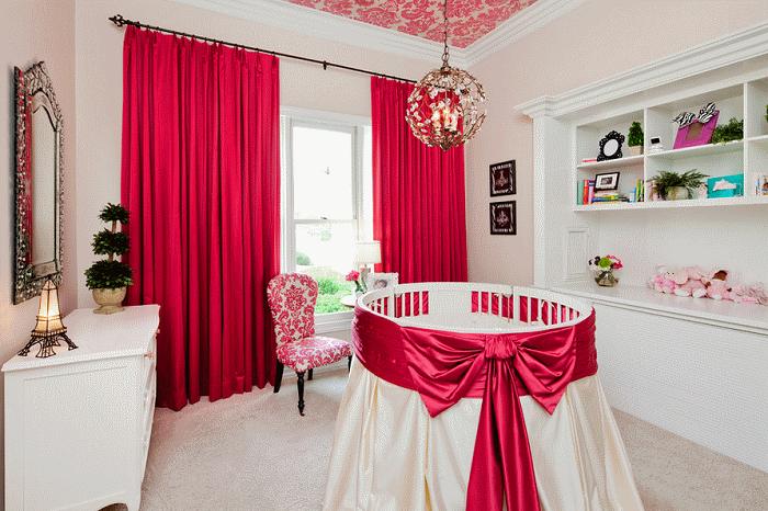 Иногда комната может быть с оттенком красного цвета