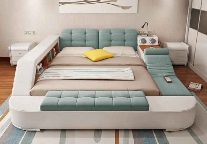 Кровать с комплектацией под заказ.