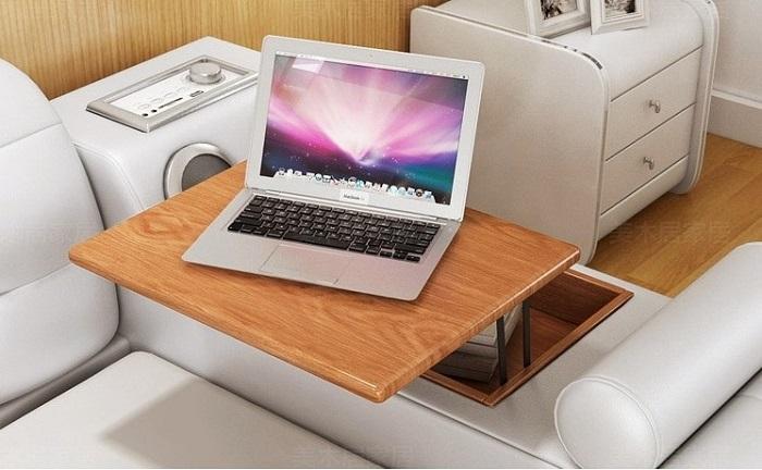 У чудо-кровати есть встроенный стол для ноутбука