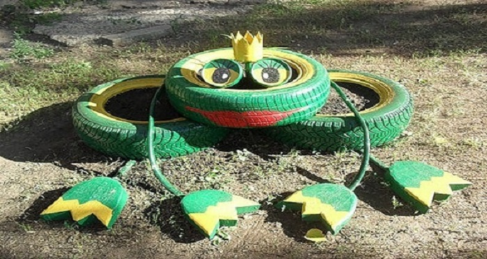Ресницы лягушке можно сделать из шин