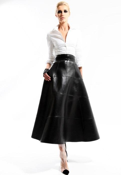 Кожаные юбки – необходимая вещь в женском гардеробе