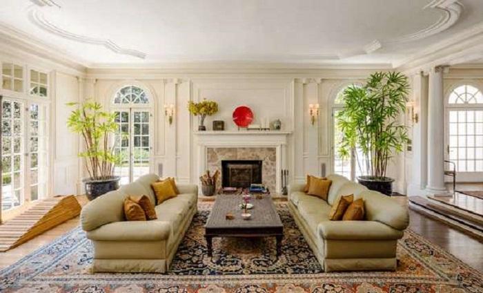 Интерьер виллы оформлен в классическом американском стиле