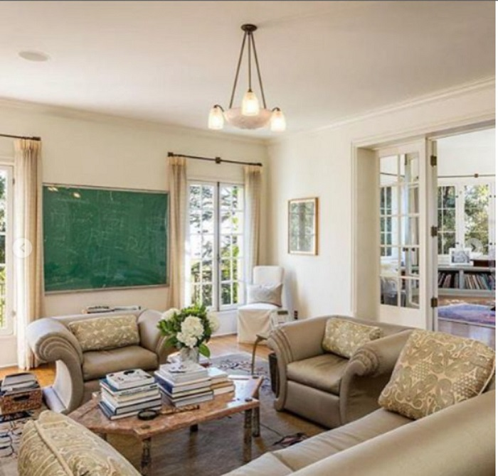 Эта комната приспособлена для обучения детей Анджелины