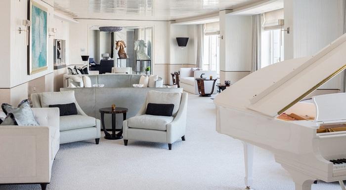 Площадь гостиной составляет 60 квадратных метров