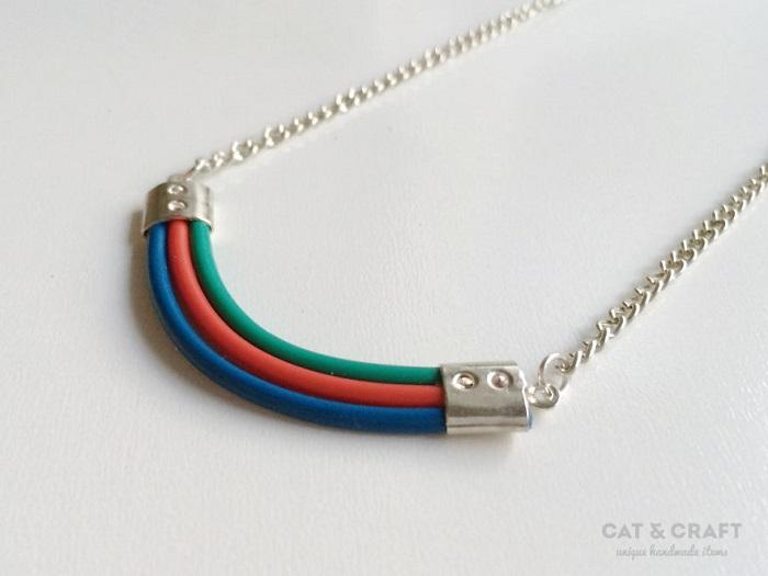 Ожерелье из проводов