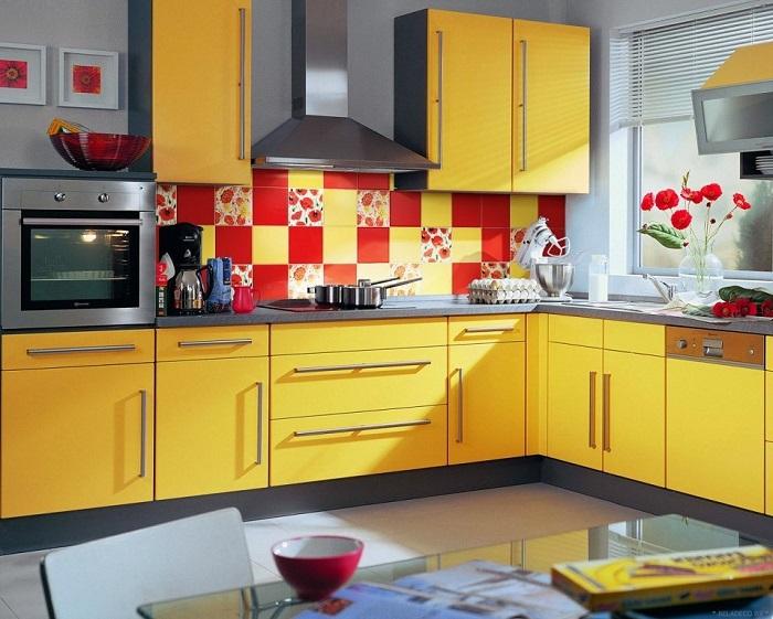 Разноцветная плитка для кухонного фартука