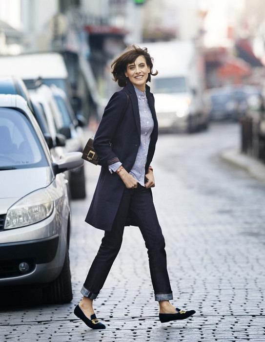 Француженки легко сочетают брендовую одежду с вещами из масс-маркета