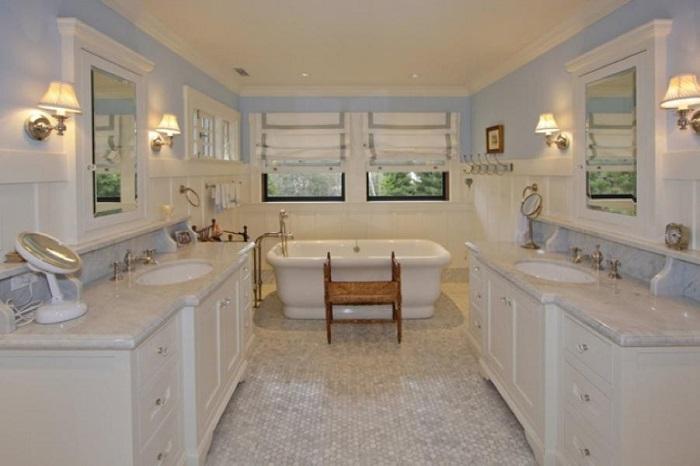 Одна из ванных комнат в доме Марка Цукерберга