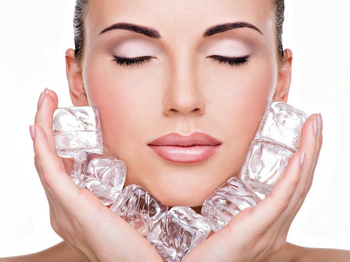 Кубики льда помогут сохранить здоровый цвет лица