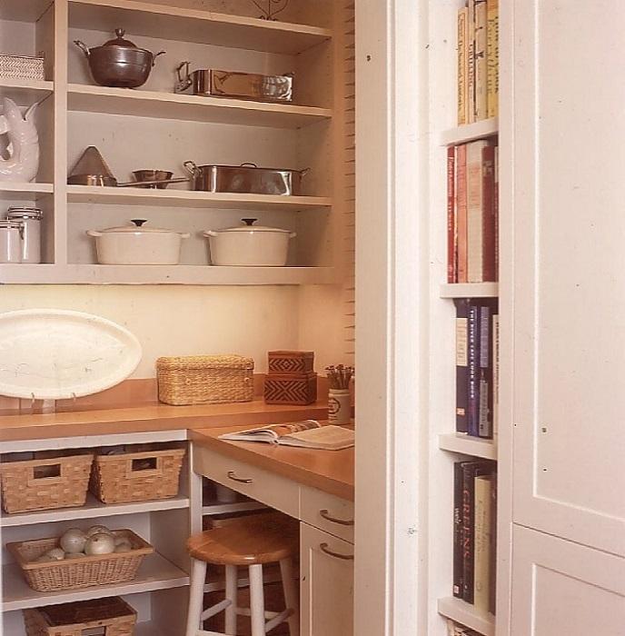 Кладовую можно использовать как рабочее место или мастерскую
