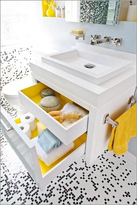 Шкафы с выдвижными ящиками помогут поддержать чистоту в ванной