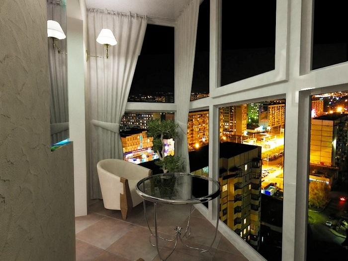 Лоджия для отдыха с панорамными окнами