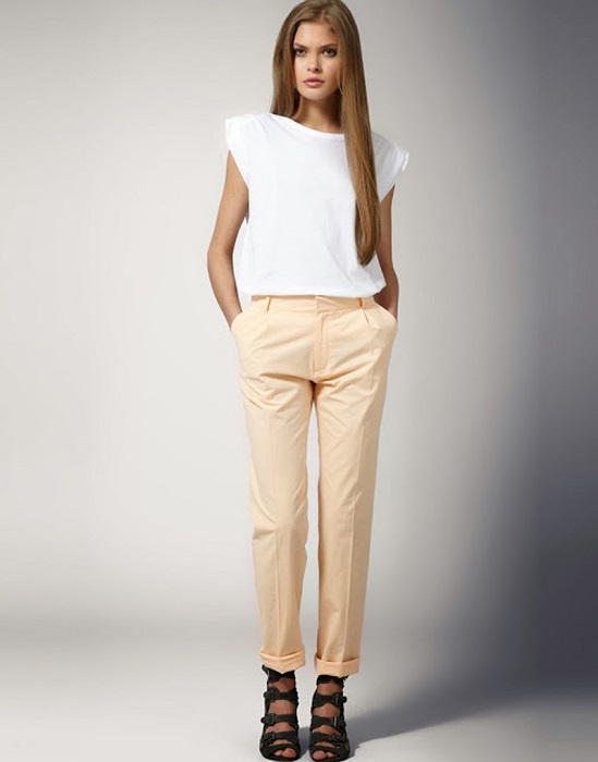 Чинос - свободные штаны из прочного хлопка