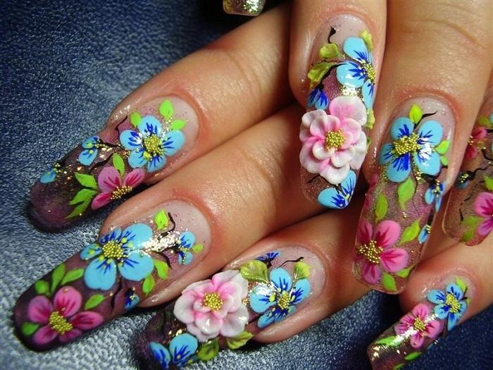 Лепнина на ногтях - очень странный вид дизайна
