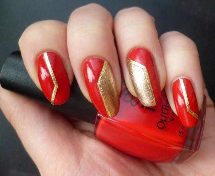 Красный и золотой – очень яркое сочетание для осеннего маникюра