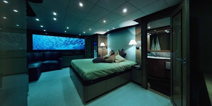 Lovers Deep British Submarine Hotel (Сент-Люсия)
