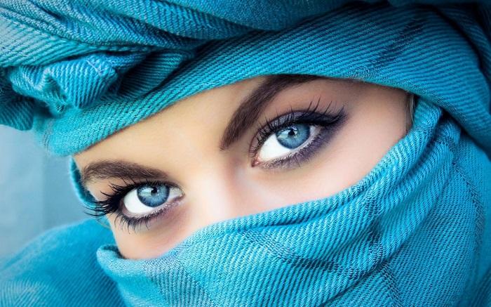 С помощью глазных имплантов можно изменить цвет глаз