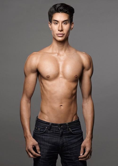Чтобы создать красивое тело, можно имплантировать мускулы