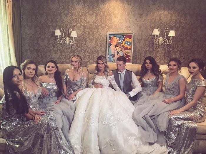 Свадебное платье Алены Красновой произвело настоящий фурор