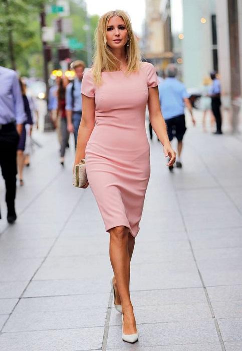 Спокойная цветовая гамма, по мнению Иванки Трамп, - залог отличного образа каждой женщины