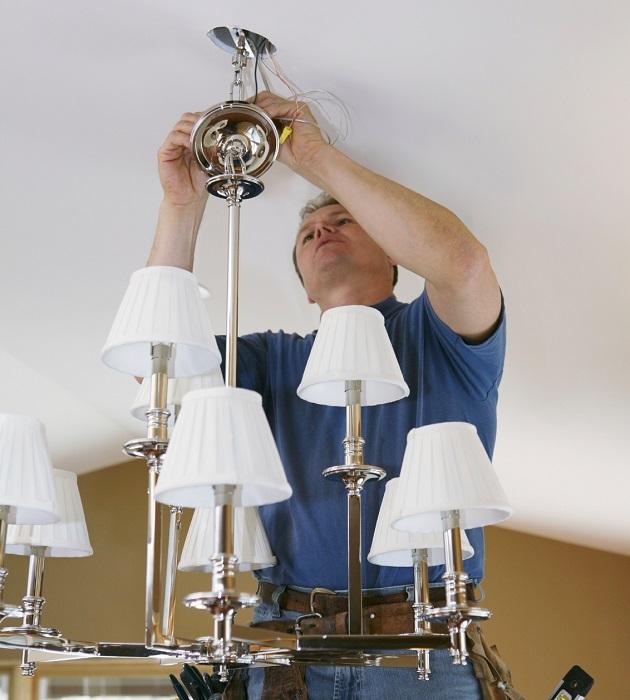 Установка света должна осуществляться в зависимости от того, как расположена мебель