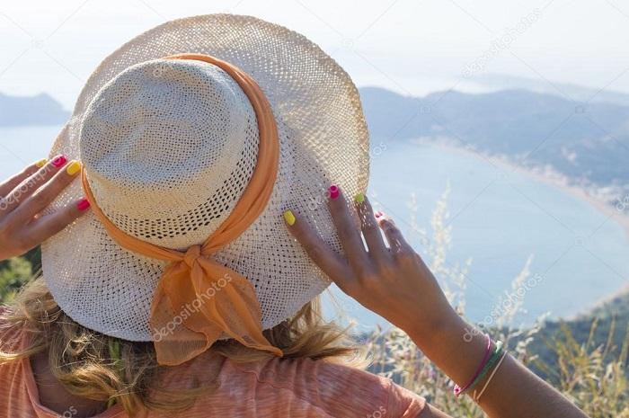 Необходимо защищать волосы от ультрафиолета