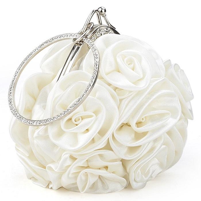 Классическая сумочка для невесты