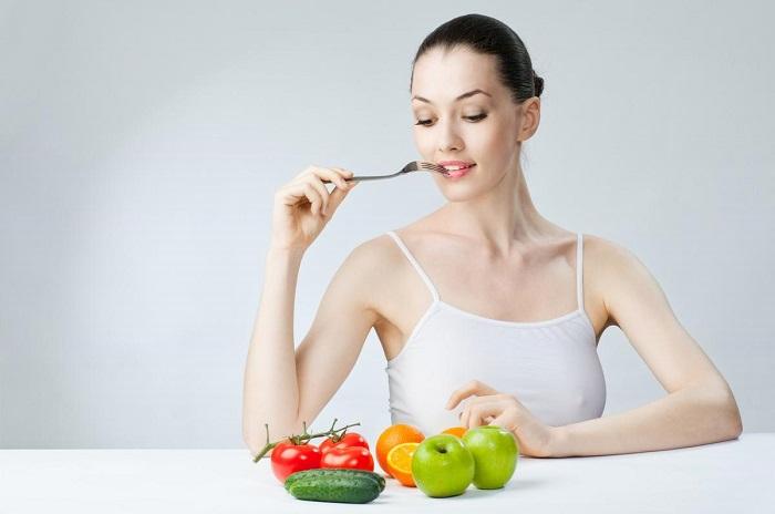 Правильное питание способствует улучшению кожи лица