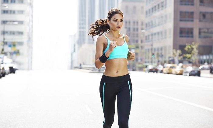 Физические тренировки способствуют насыщению кожи кислородом