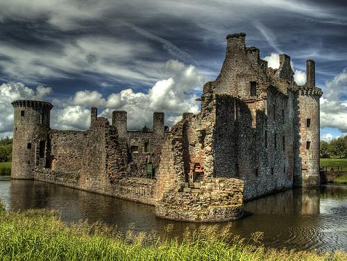 Замок-крепость на юго-западе Шотландии