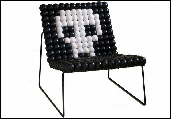 Разноцветный AntiStress Chair из антистресс-мячиков
