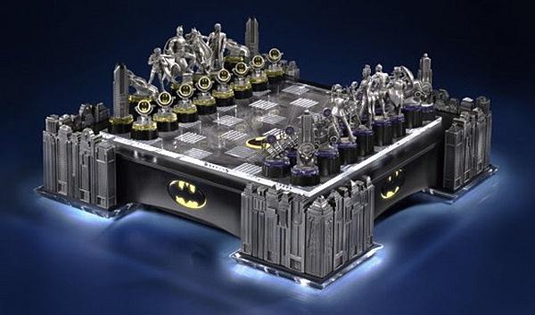 Дизайнерские шахматы Batman chess set для фанатов Бэтмена