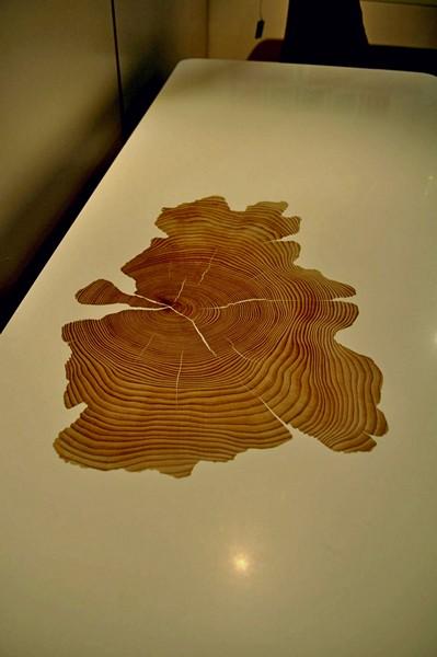 Минималистичные деревянные столики Bloom Collection