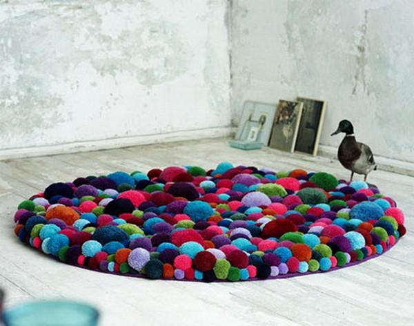 Bommel. Мебель из разноцветных помпонов от студии MYK