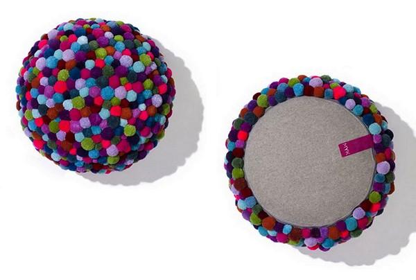 Bommel. Мебель из разноцветных помпонов
