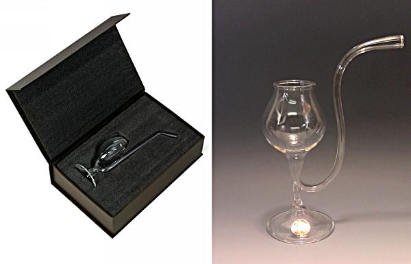 Brandy Pipe: бокал для бренди в виде стеклянной трубки