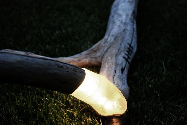 Креативные светильники Brecce Lamps из коряг и бревен