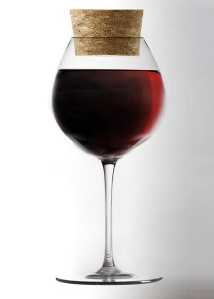 Бокал-консерватор, который можно закрыть пробкой и оставить недопитое вино на завтра