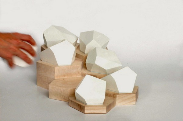 Стильные коробочки для распределения лекарств от Celine Forestier
