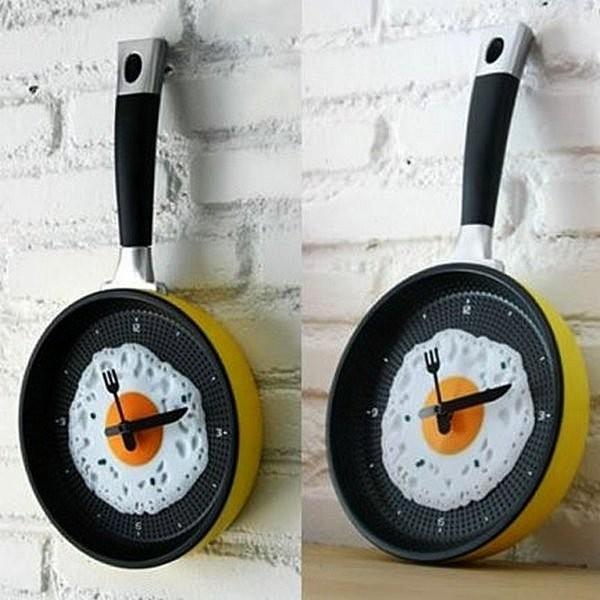 Fried Omelette Clock, кухонные часы с яичницей в сковороде