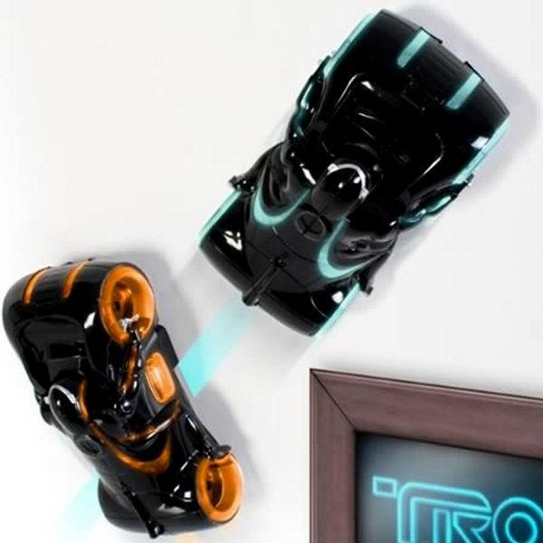 Ночник-автомобиль, оформленный в стиле фильма Tron