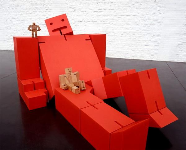 Многократно увеличенный Cubebot как элемент дизайна интерьера