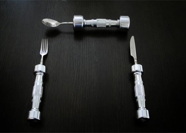Много кушать - рука не поднимается. Столовые приборы-гантели Eat Fit