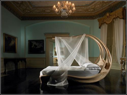 Enignum Canopy Bed. Кровать с воздушным балдахином