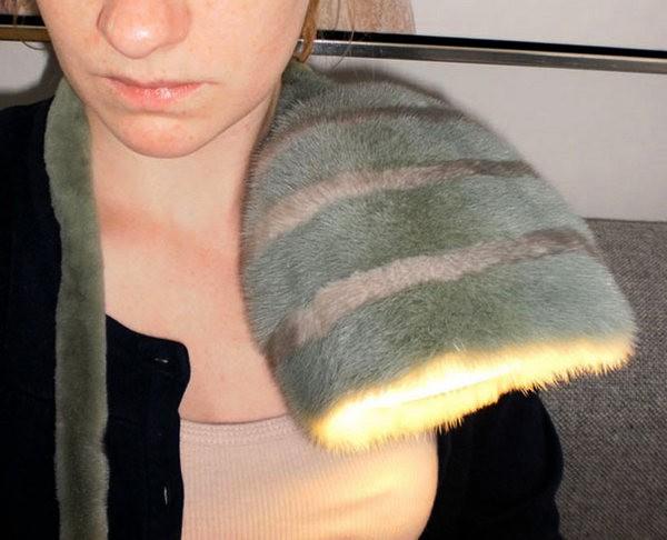 Необычный светильник Feel it из норковой шубки