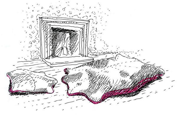 Лежанка Big Fellow как охотничий трофей на полу у камина