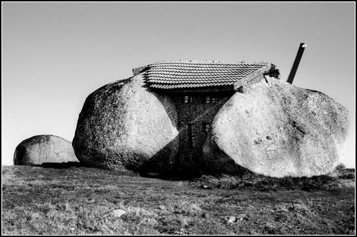Доисторический дом семейки Флинстоунов. Португалия, 1973 год