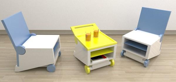 Flippo chair: складной стульчик, он же столик от Paulo Corceiro