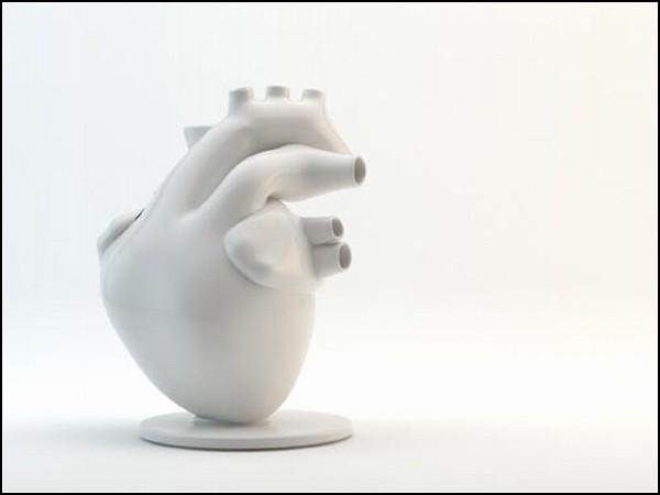 Flower Pump vase: керамическая ваза для полевых цветов
