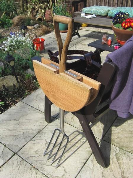 Garden fork table - Garden furniture ideas fun good taste ...